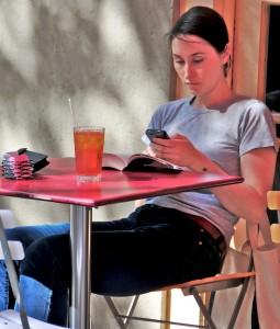 femeie smartphone